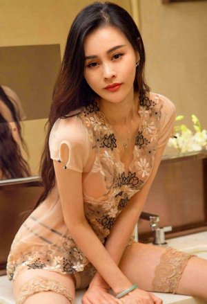 Damiana happy ending massage & call girls