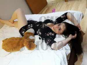 Modestine escort girl and tantra massage