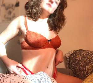 Anne-laetitia tantra massage in DeForest WI